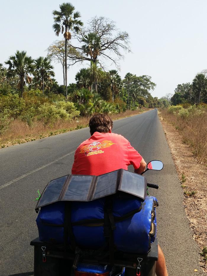 moto-solar-panel-casamance